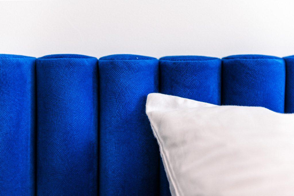 Pastel Blue łózko detal